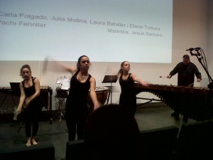 Alumnas del Ballet Ópera acompañadas por Jesús Barberá a la Marimba